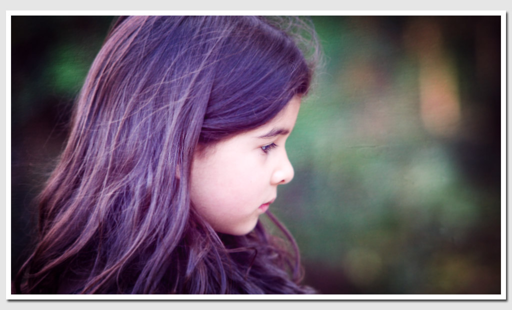 Fine-Art-Portrait-Photo-Girl-in-Autumn