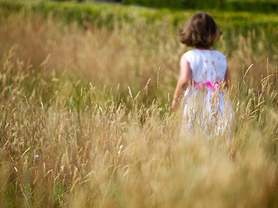Family photography outdoors in Warwickshire