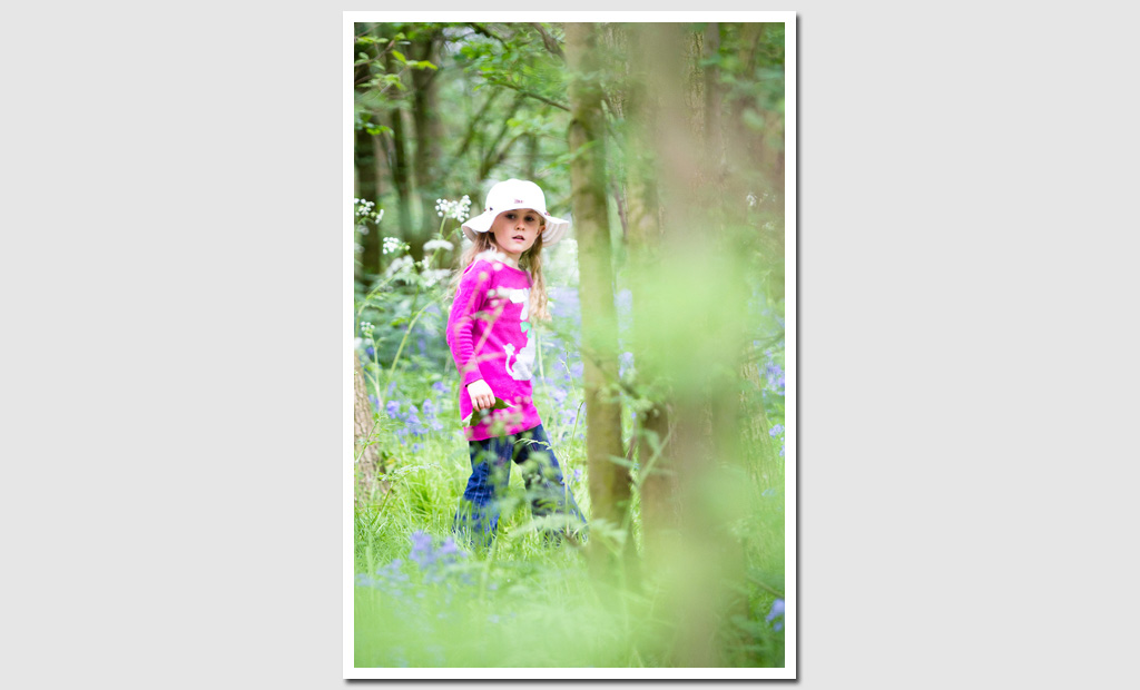 Family-portrait-photography-Girl-with-Bluebells