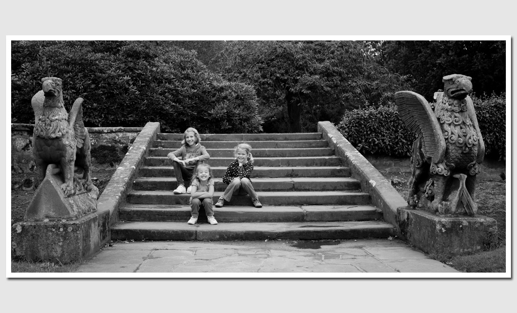 Family-portrait-photography-at-Coombe-Abbey