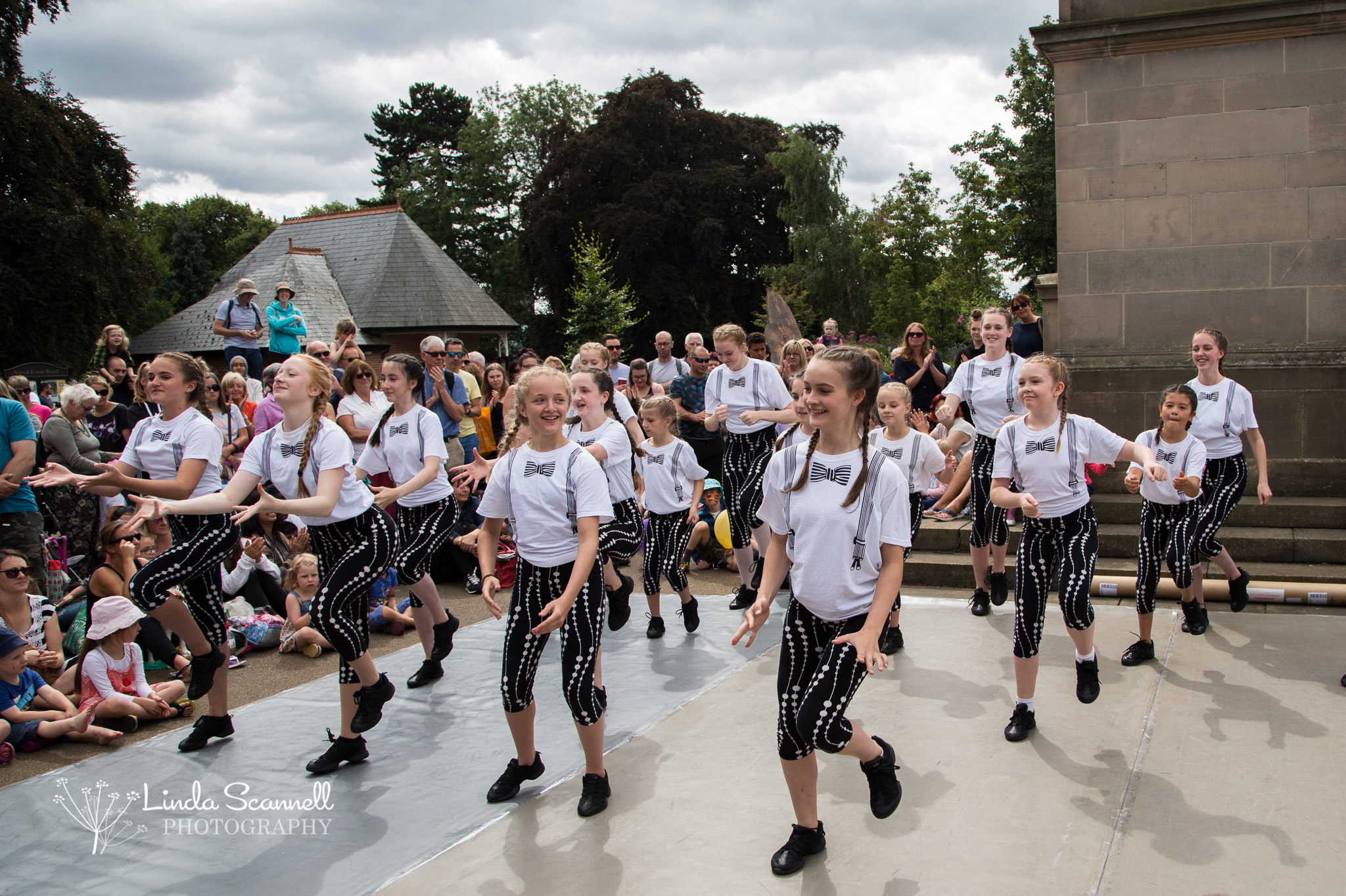 Dancers from Leamington and Warwick Academy of Dance entertaining the crowds at Art in the Park 2017